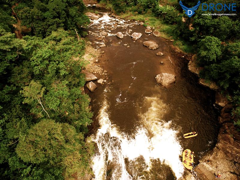 fotografia aéreas rafting lumiar com drone